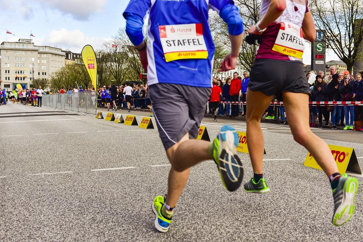 Erlebt den Haspa Marathon Hamburg als Staffel